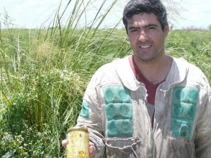 Carlos Frank, apicultor oriundo de San Javier